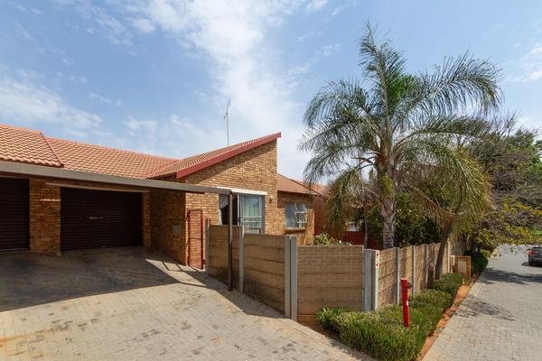 Property For Sale in Honeydew Ridge, Roodepoort