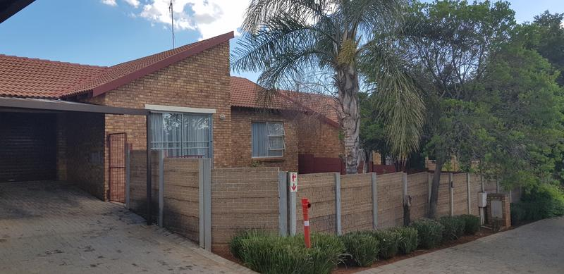 Property For Sale in Honeydew Ridge, Roodepoort 23