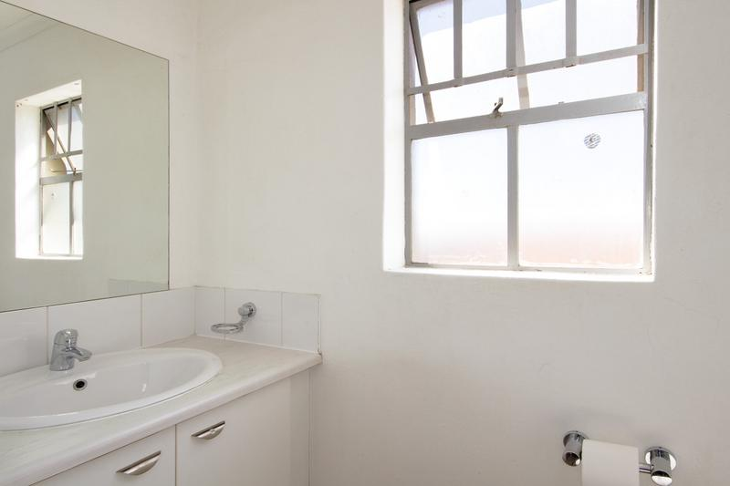 Property For Rent in Houghton Estate, Johannesburg 13