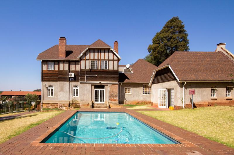 Property For Rent in Houghton Estate, Johannesburg 14