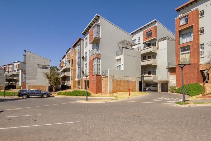 Property For Rent in Houghton Estate, Johannesburg 17
