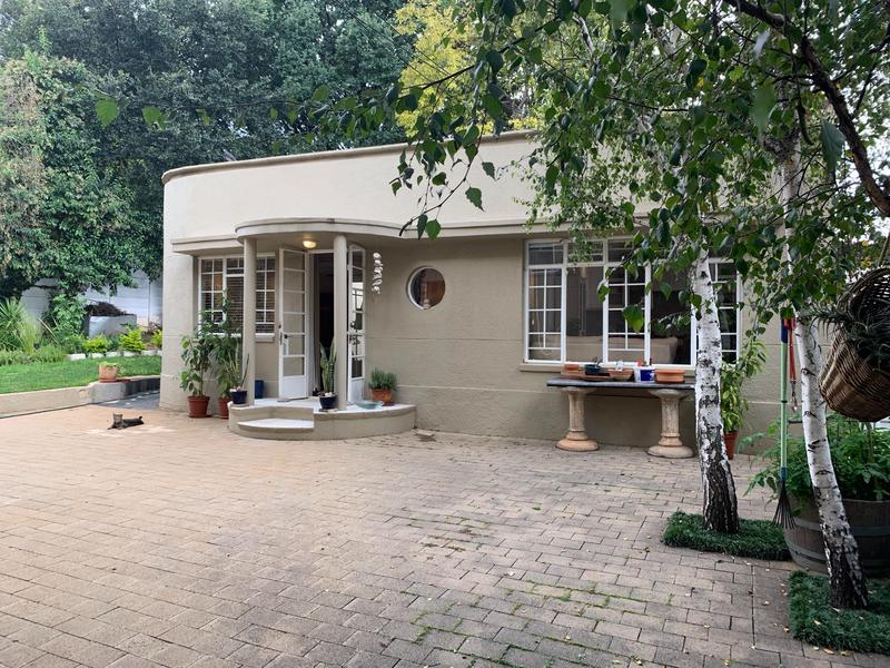 Property For Rent in Greenside, Johannesburg 8