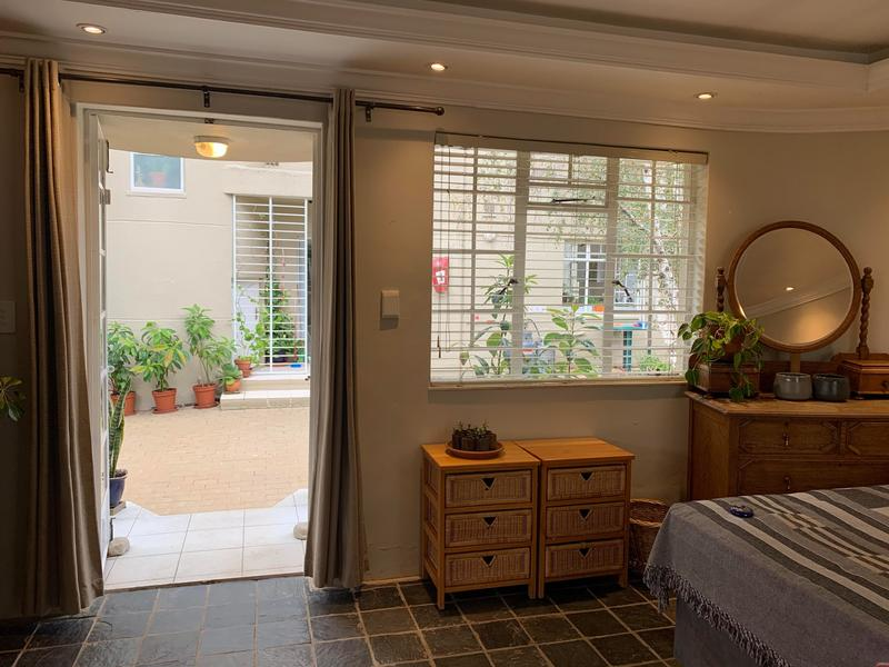 Property For Rent in Greenside, Johannesburg 11