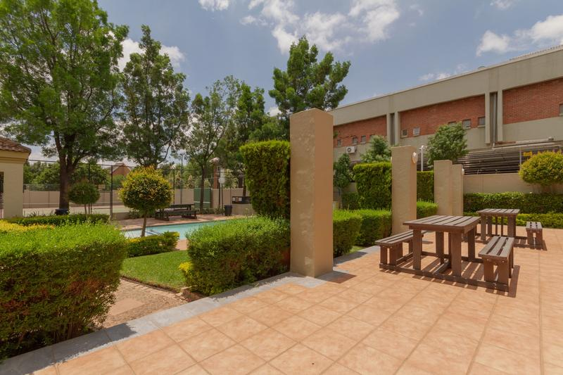 Property For Rent in Douglasdale, Sandton 24