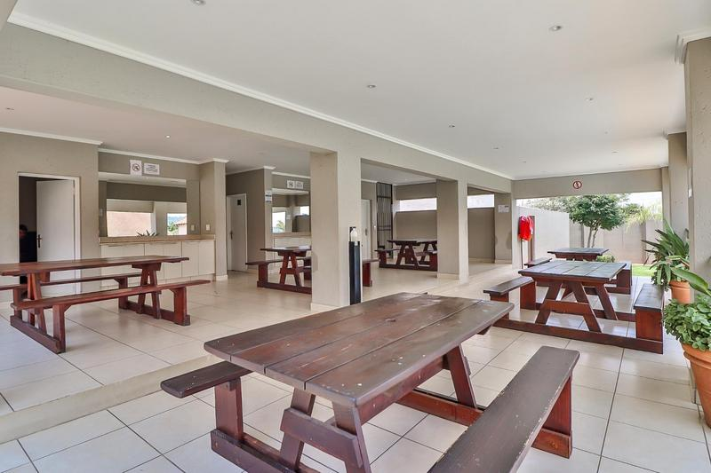 Property For Rent in Barbeque Downs, Midrand 17