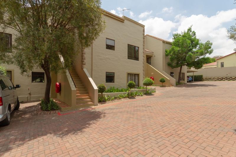 Property For Rent in Douglasdale, Sandton 18